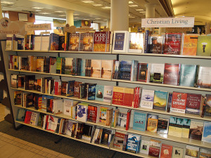 800px-Christian_living_books_by_David_Shankbone